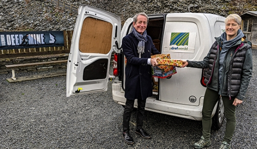 Llechwedd Donates Food and Presents